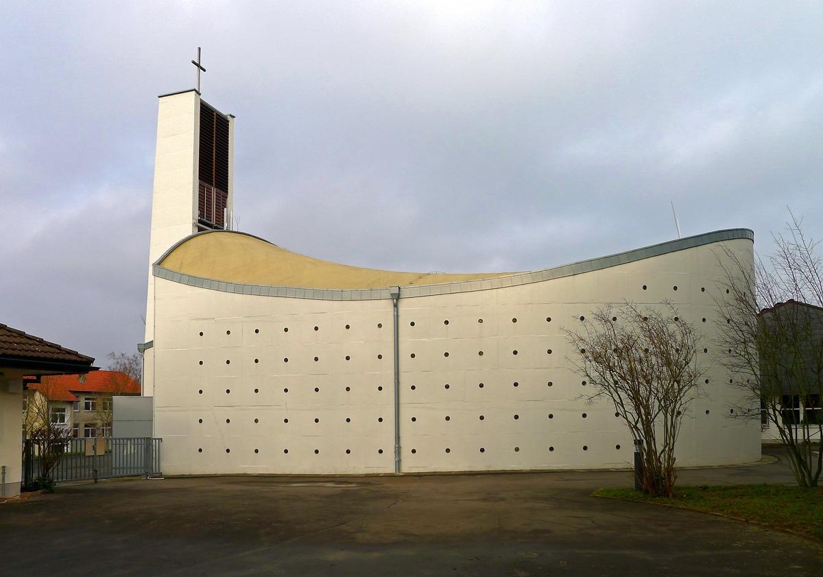 Bad Hersfeld-Hohe Luft | St. Bonifatius | Außenbau | Foto:  Johanna Anders