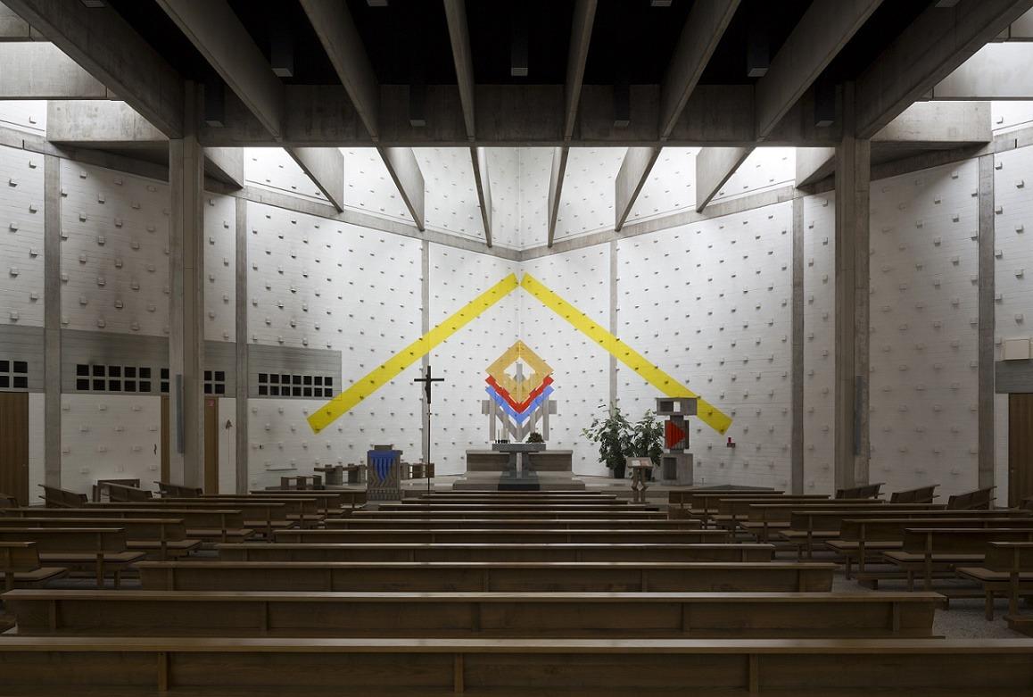 Lemgo | Heilig Geist | Blick zum Altarraum | Foto: Florian Monheim, Krefeld