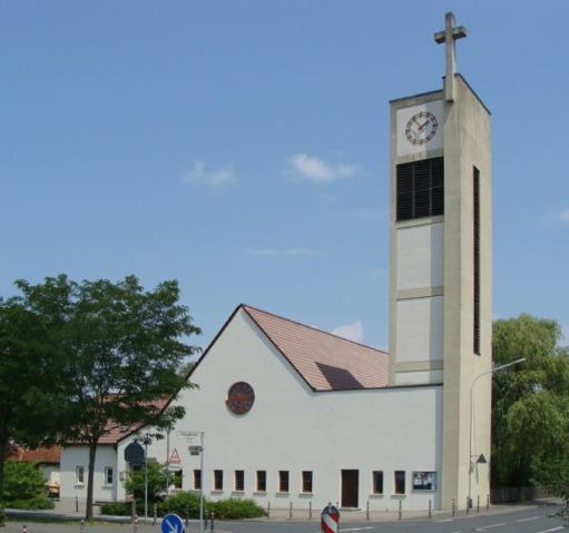 Darmstadt | Matthäuskirche | Außenbau | Foto: Ev. Dekanat Darmstadt-Stadt