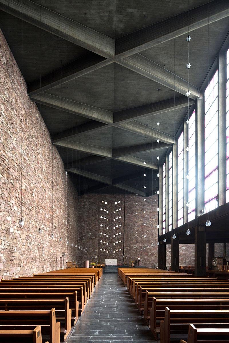 Düren | St. Anna | Innenraum | Foto: Florian Monheim, Krefeld