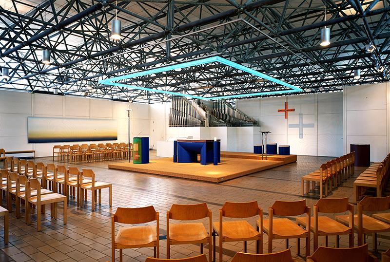 München-Olympiadorf | Ökumenisches Zentrum | katholischer Kirchenraum | Foto: © Erzb. Ordinariat München, HA Kunst, Foto: Achim Bunz