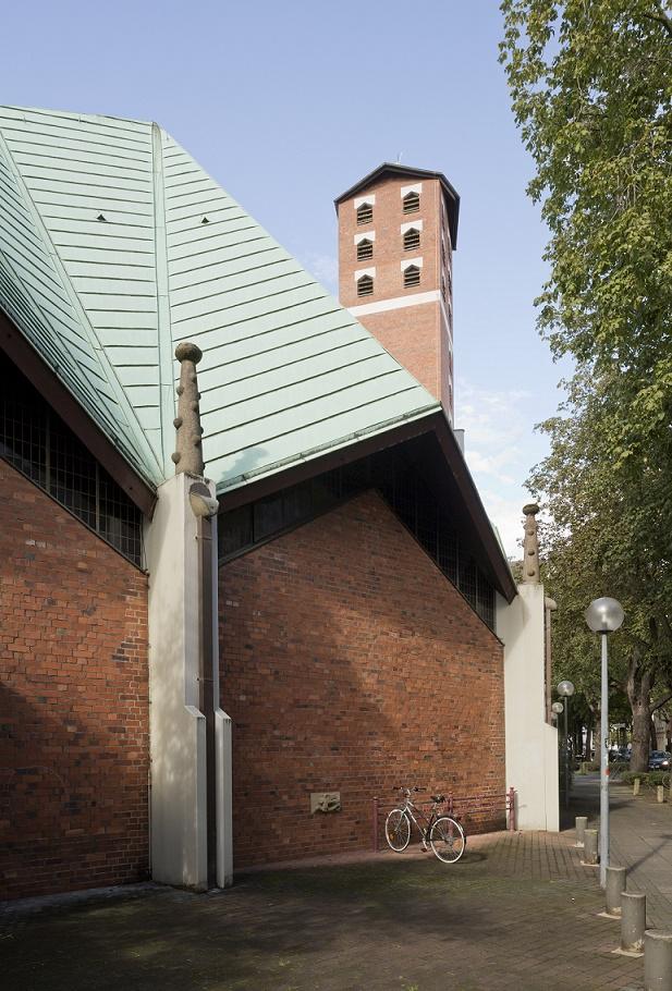 Bonn | St. Franziskus | Außenbau | Foto: Florian Monheim, Krefeld