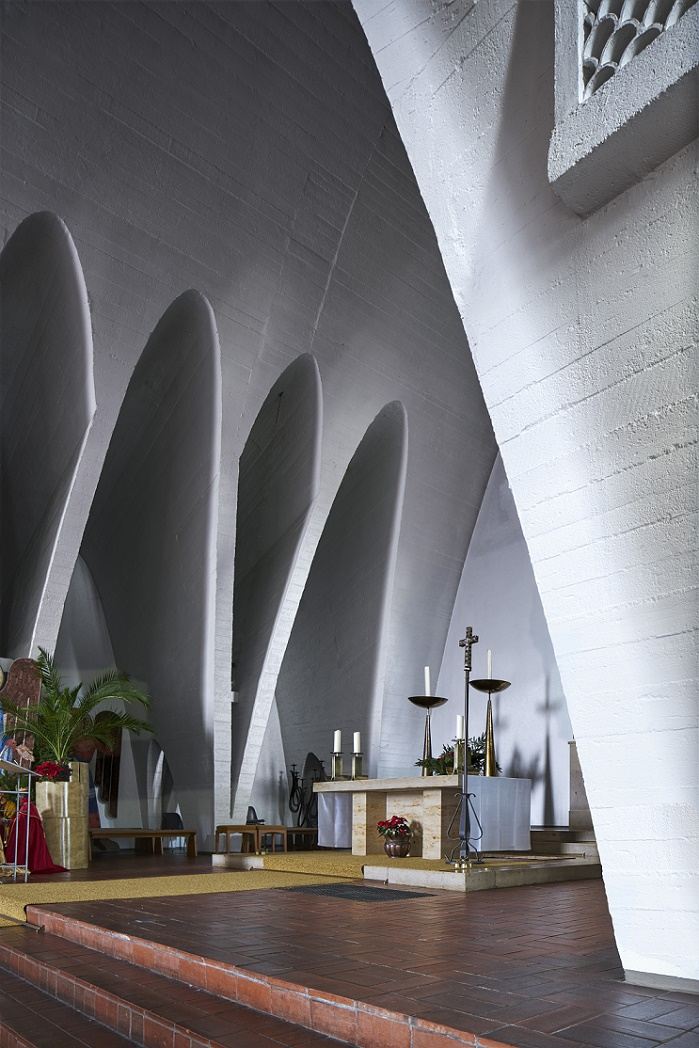 Bischofsheim | Christkönig | Altarraum | Foto: Marcel Schawe, Frankfurt am Main