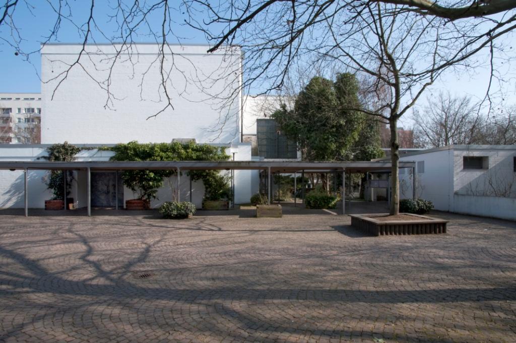 Frankfurt am Main-Heddernheim | Cantate Domino | Außenbau | Foto: Christine Krienke, Landesamt für Denkmalpflege Hessen
