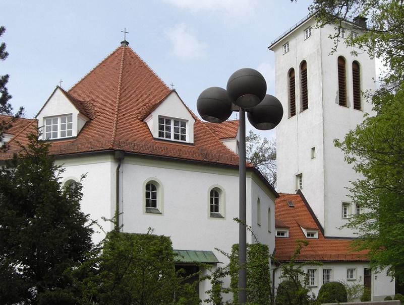 Planegg | Waldkirche | Außenbau | Foto:  Oderfing, DD BY SA 3.0 oder GFDL