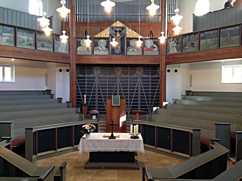 Planegg | Waldkirche | Innenraum | Foto: Philipp Stoltz