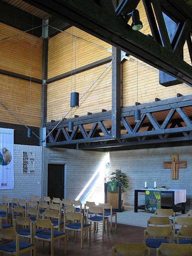 Marburg-Richtsberg | Ökumenisches Gemeindezentrum Thomaskirche | Evangelischer Kirchenraum | Foto:  Karin Berkemann