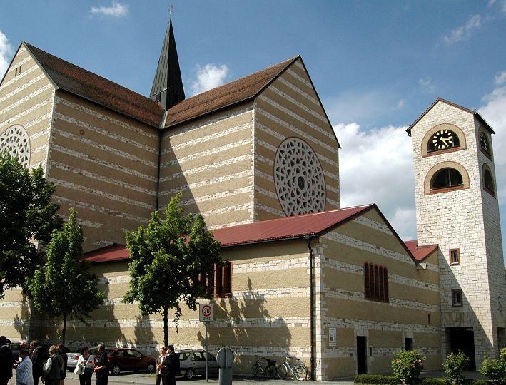Regensburg-Kumpfmühl | St. Wolfgang | Außenbau | Foto: Pfarrei St Wolfgang Regensburg