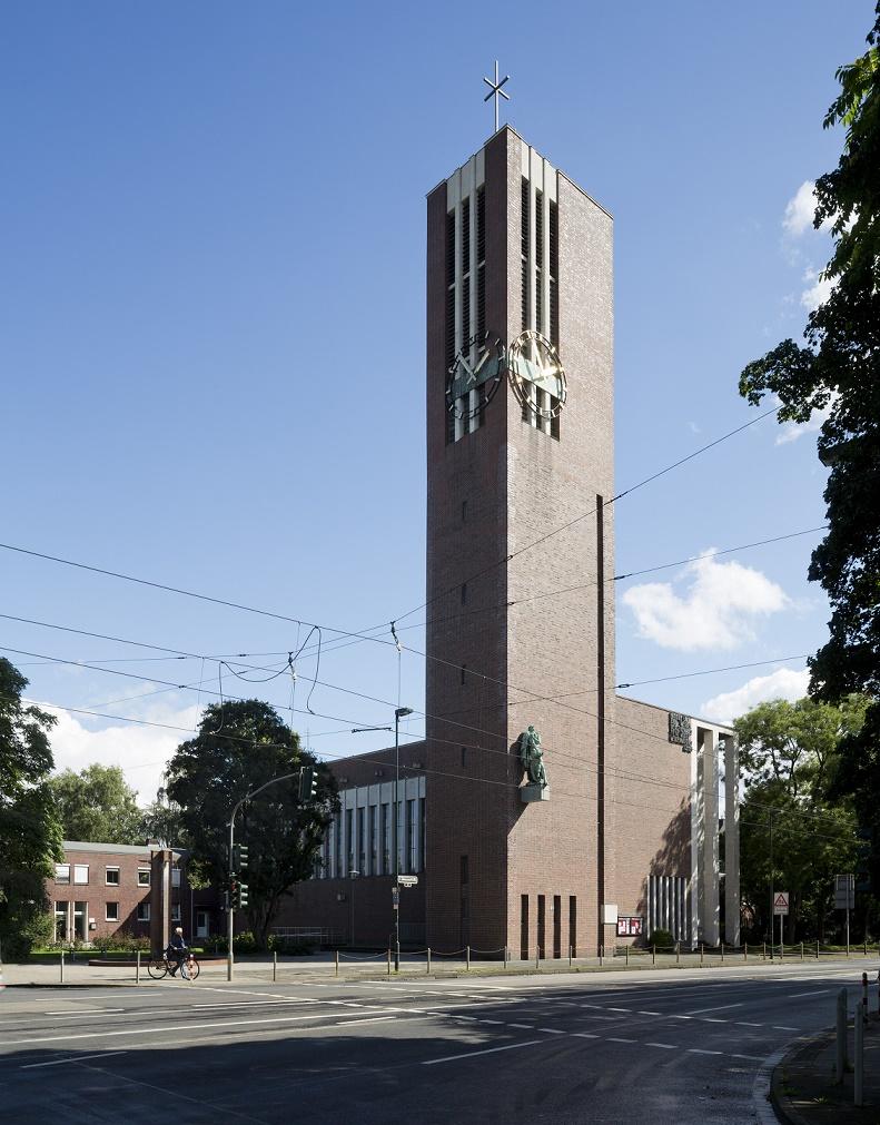 Düsseldorf-Düsseltal | Matthäikirche | Außenbau | Foto: Florian Monheim