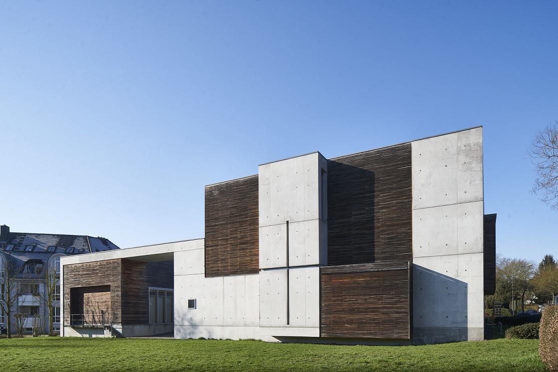 Frankfurt am Main | Jesus Christus – Der Gute Hirte | Außenbau | Foto: Marcel Schawe