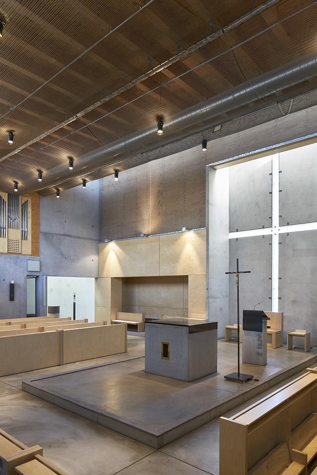 Frankfurt am Main | Jesus Christus – Der Gute Hirte | Innenraum | Foto: Marcel Schawe