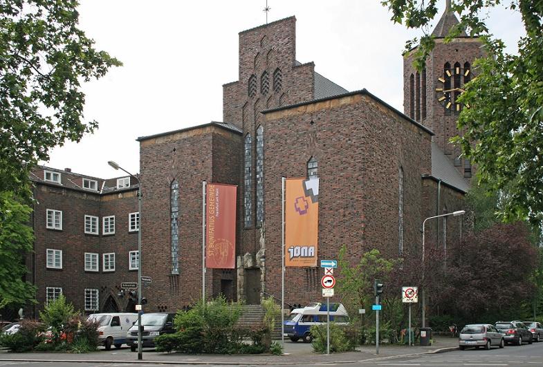 Frankfurt am Main-Sachsenhausen | St. Bonifatius | Außenbau | Foto: Jugendkirche Jona, Frankfurt am Main, CC0