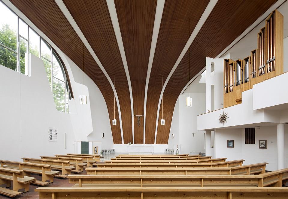 Wolfsburg | Hl. Geist | Innenraum | Foto: Florian Monheim