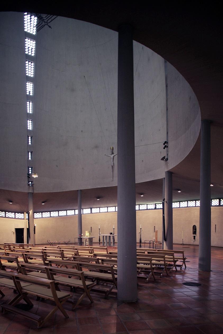 Düsseldorf | St. Rochus | Kirchenraum | Foto: Jürgen Wiener