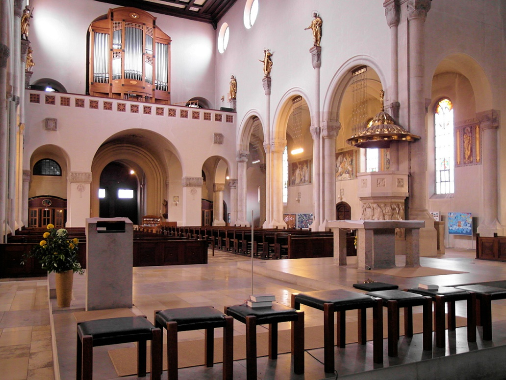 Augsburg | Heiligstes Herz Jesu | Altarinsel | Foto: Daniel Greb