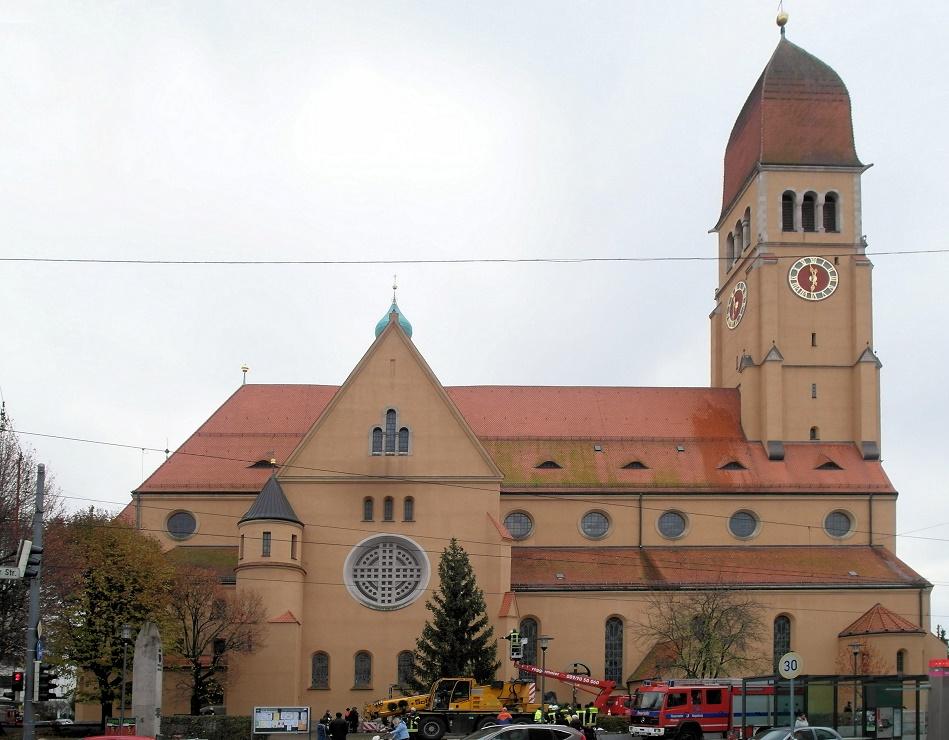 Augsburg | Heilgstes Herz Jesu | Außenbau | Foto: Daniel Greb