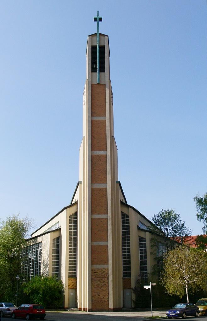 Berlin | Gustav-Adolf-Kirche | Außenbau | Foto: Andreas Praefcke, GFDL oder CC BY 3.0
