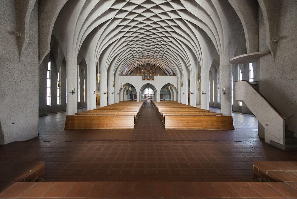 Neu-Ulm | St. Johann Baptist | Blick zur Orgel | Foto: Hpschaefer, www.reserv-art.de, CC BY SA 4.0