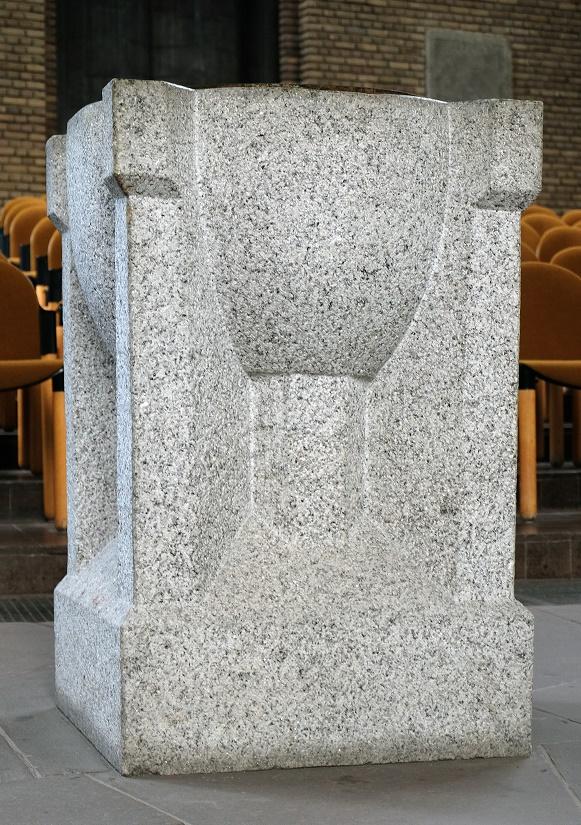 Düren | Christuskirche | Taufstein | Foto: Michaela Kalusok/Jürgen Wiener