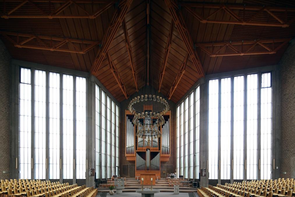 Düren | Christuskirche | Innenraum | Foto: Michaela Kalusok/Jürgen Wiener