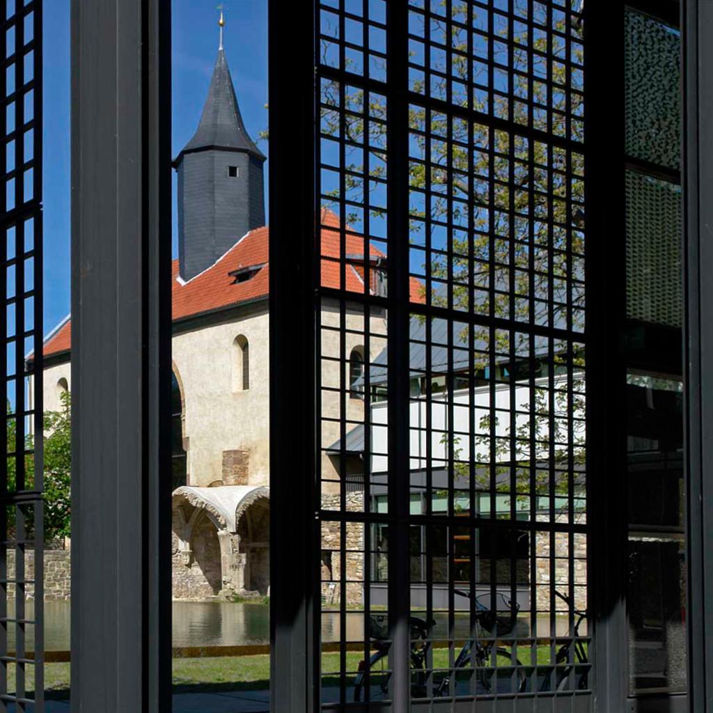 Körner | Kloster Volkenroda | Portal | Foto: Gerd A. T. Müller, GFDL oder CC BY SA 3.0