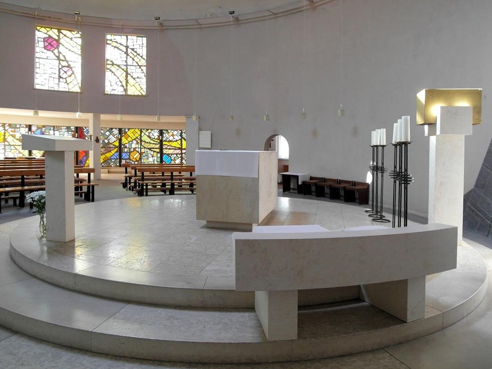 Bad Dürrenberg | St. Bonifatius | Altarinsel | Foto: Daniel Greb