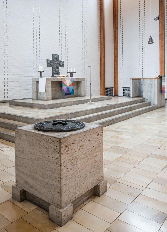 Hanau | Christuskirche | Altarraum | Foto: Gerhard Jost, Bild: Ev. Stadtkirchengemeinde Hanau