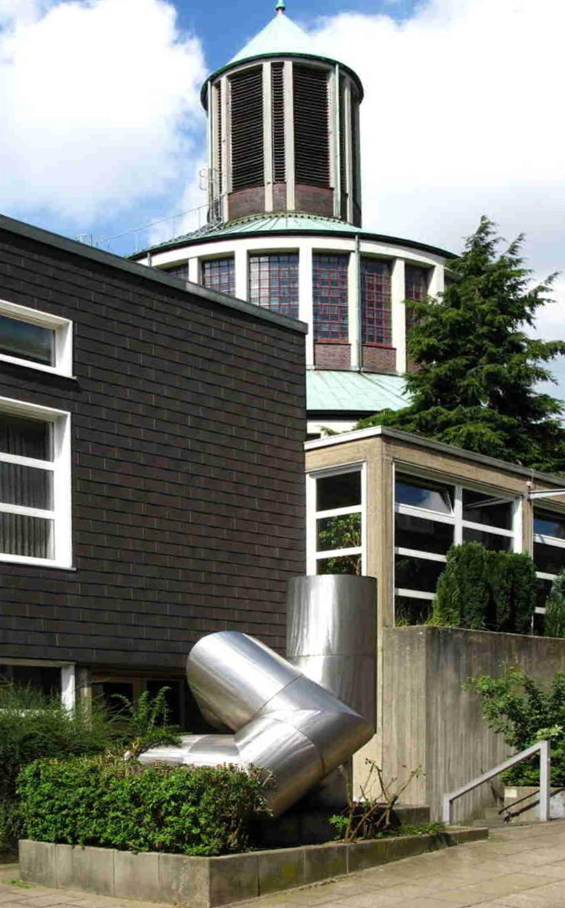 Essen | Auferstehungskirche | Außenbau | Foto: Volker Wagenitz, gemeinfrei