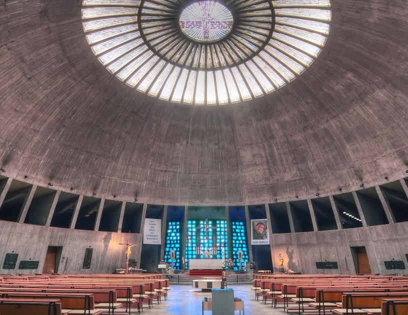 Augsburg | St. Don Bosco | Innenraum | Foto: Otto Schemmel, CC BY SA 3.0