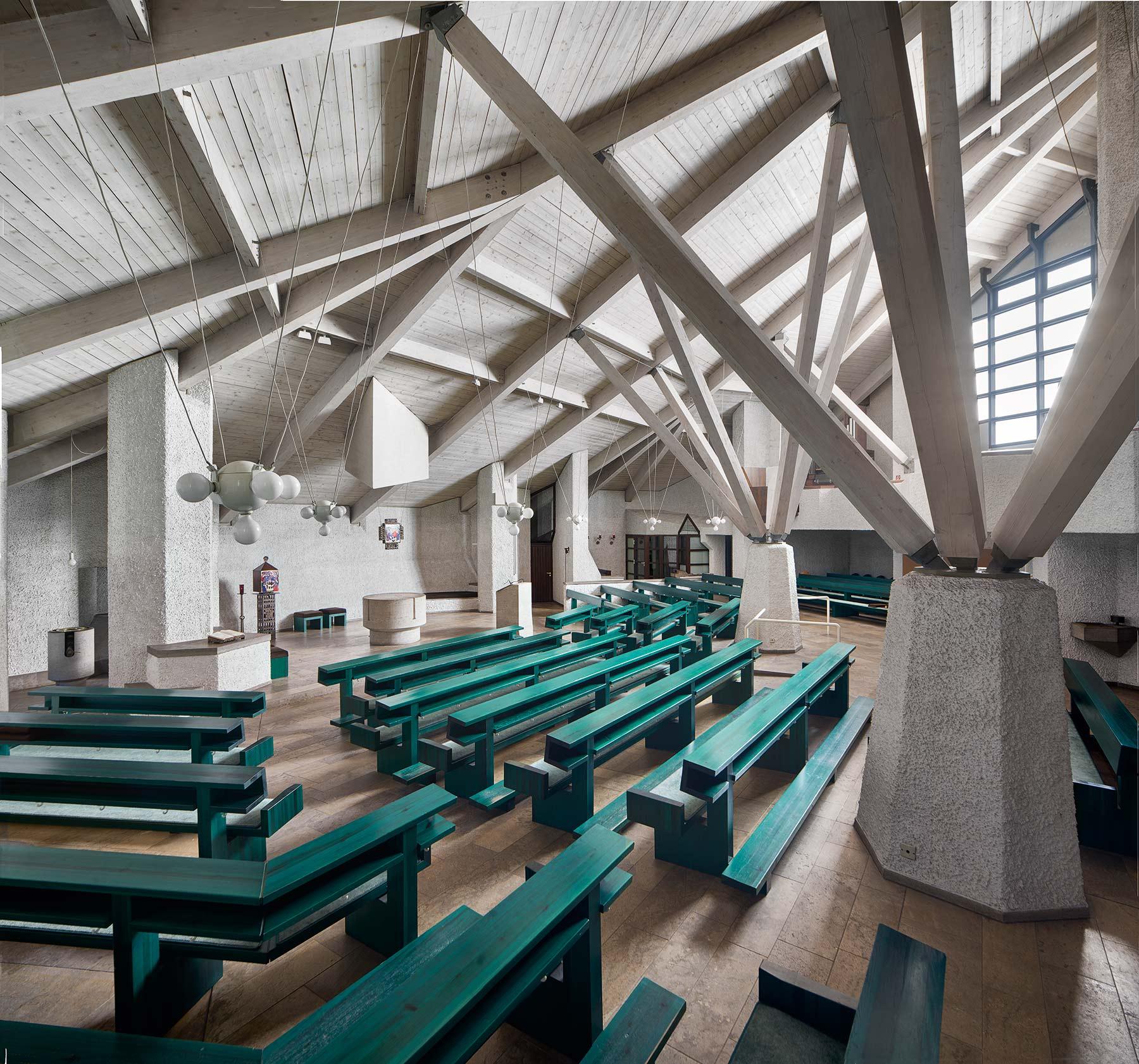 Darmstadt | Ökumenisches Gemeindezentrum | Katholischer Gottesdienstraum | Foto: Marcel Schawe