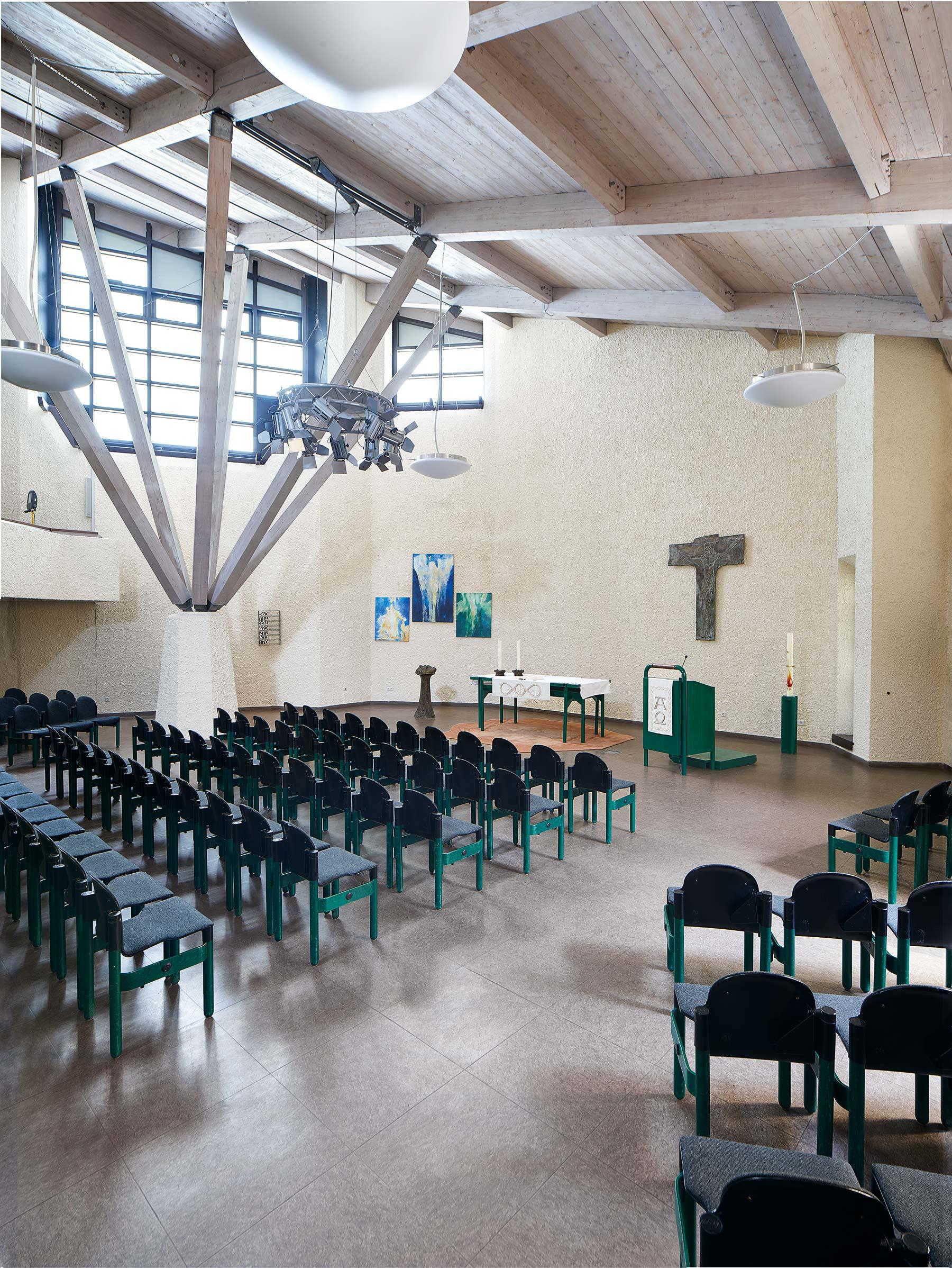 Darmstadt | Ökumenisches Gemeindezentrum | Evangelischer Gottesdienstraum | Foto: Marcel Schawe