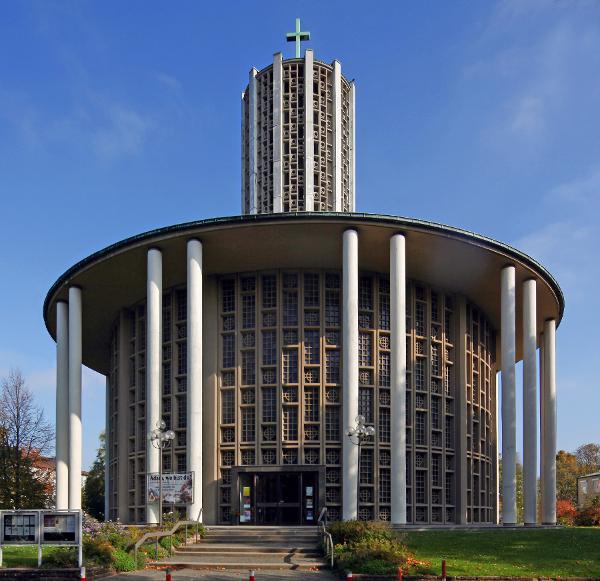 Ludwigshafen | Friedenskirche | Außenbau | Foto: Michaela Kalusok/Jürgen Wiener