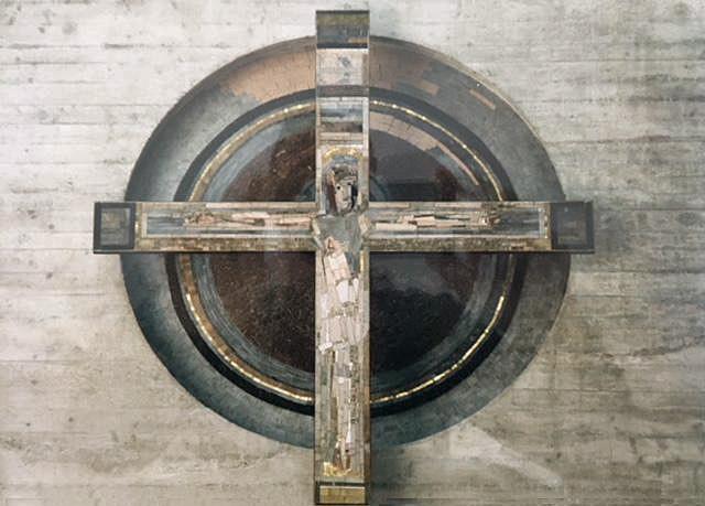 München-Isarvorstadt | Herz Jesu | Altarkreuz | Foto: Thomas van Nies