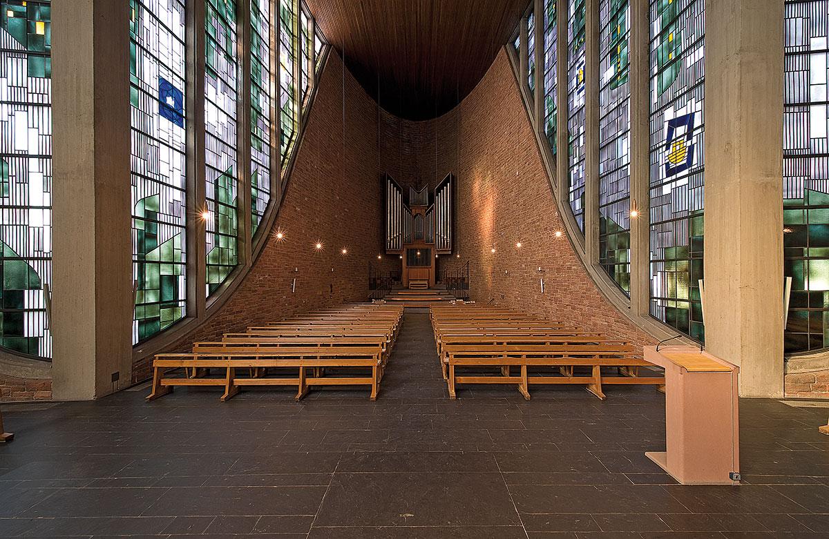 Saarbrücken | Maria Königin | Blick zur Orgel | Foto: Marco Kany