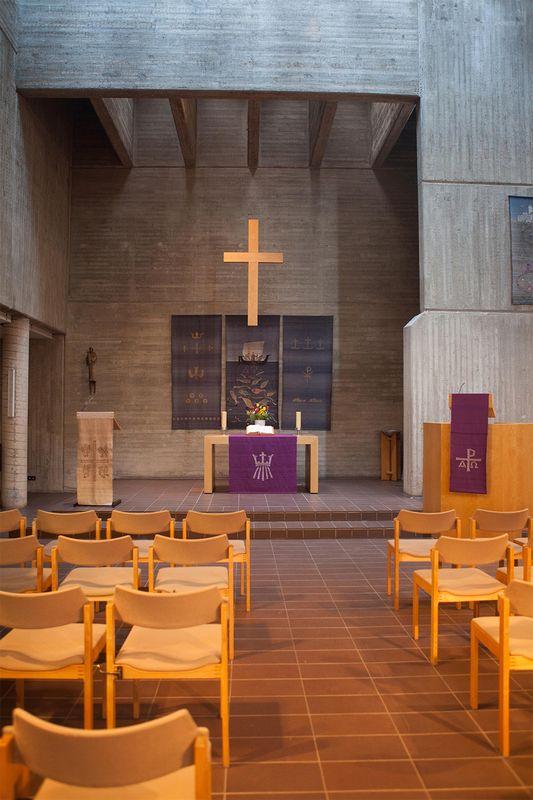 Kiel | St. Lukas | Innenraum | Foto: Ev.-Luth. Emmaus-Kirchengemeinde Kiel