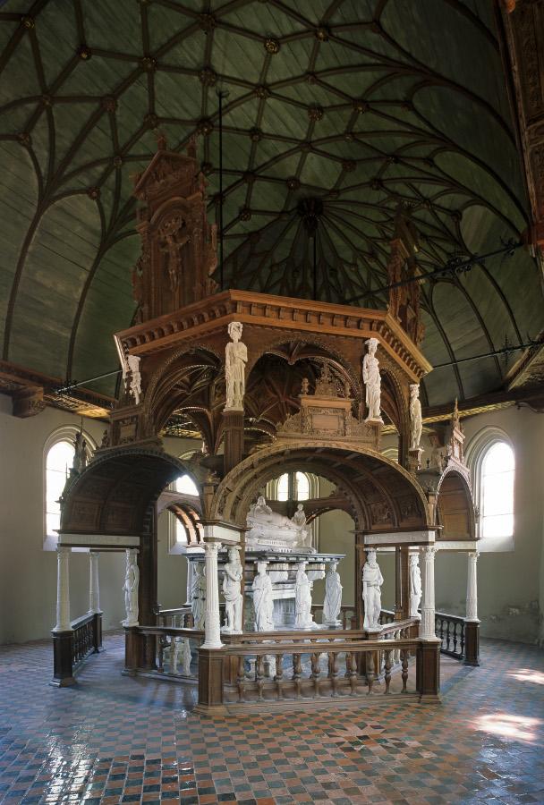 Jever | Stadtkirche | Edo-Wimken-Denkmal | Foto: Lisa Hammel, Bildarchiv Monheim GmbH