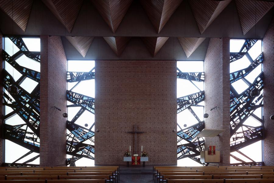 Jever | Stadtkirche | Außenbau | Foto: Lisa Hammel, Bildarchiv Monheim GmbH