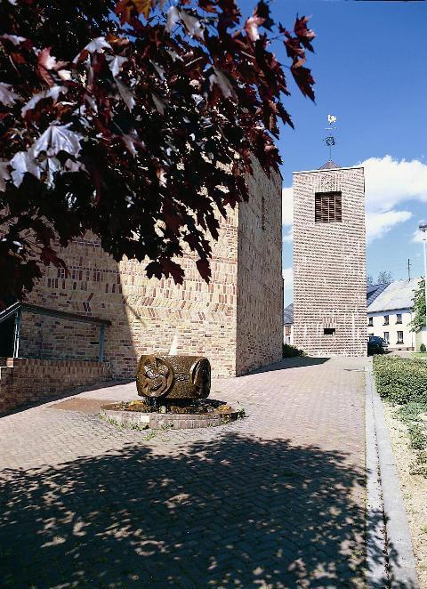 Waldweiler | St. Willibrord | Außenbau | Foto: Hochwald-Ferienland e. V., Quelle: Tourist-Information Hochwald-Ferienland