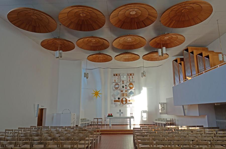 Wolfsburg | Stephanus-Kirche | Innenraum | Foto: K. Reichardt