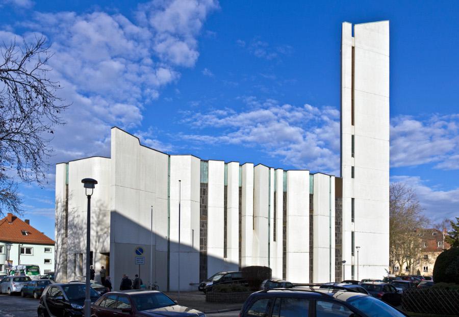 Mannheim | Versöhnungskirche | Außenbau | Foto: Rudolf Stricker, gemeinfrei