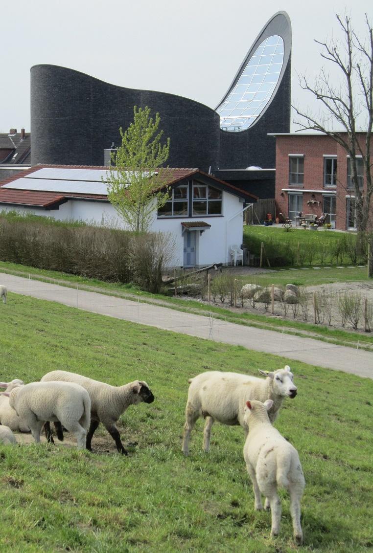 Wangerland-Schillig | St. Marien | Außenbau | Foto: Carradox, CC BY SA 3.0