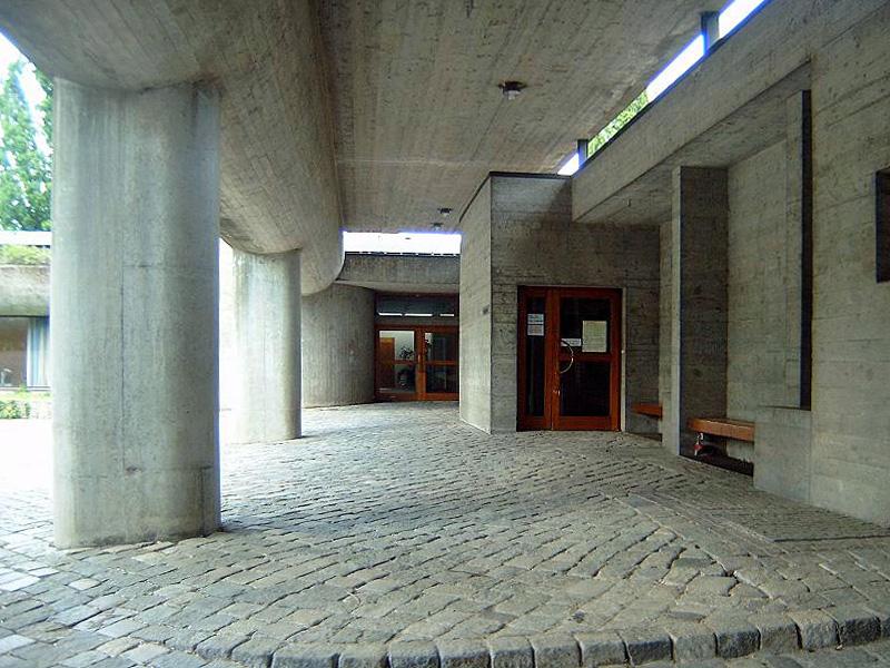 Stuttgart-Sonnenberg | Evangelisches Gemeindezentrum | Außenbau | Foto: Gunther Seibold, CC BY 3.0