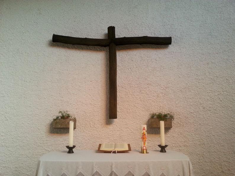 Neunkirchen-Hangard | ev. Kirche | Altar I Foto: Beate Kolodziej