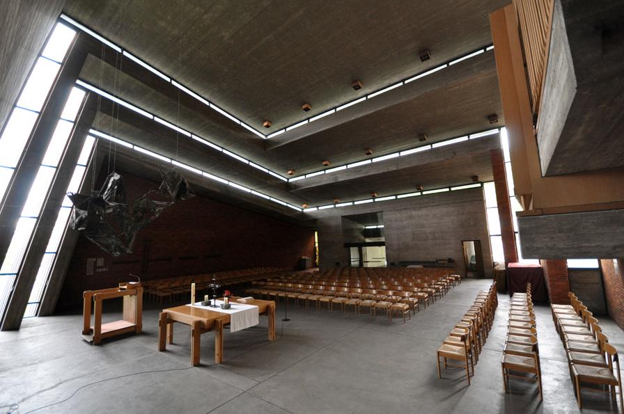 Leonberg I ev. Versöhnungskirche | Innenraum | Foto: Manfred Gloß