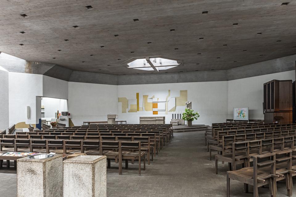 Stuttgart | St. Josef | Innenraum | Foto: Iris Geiger-Messner/ Landesamt für Denkmalpflege im Regierungspräsidium Stuttgart